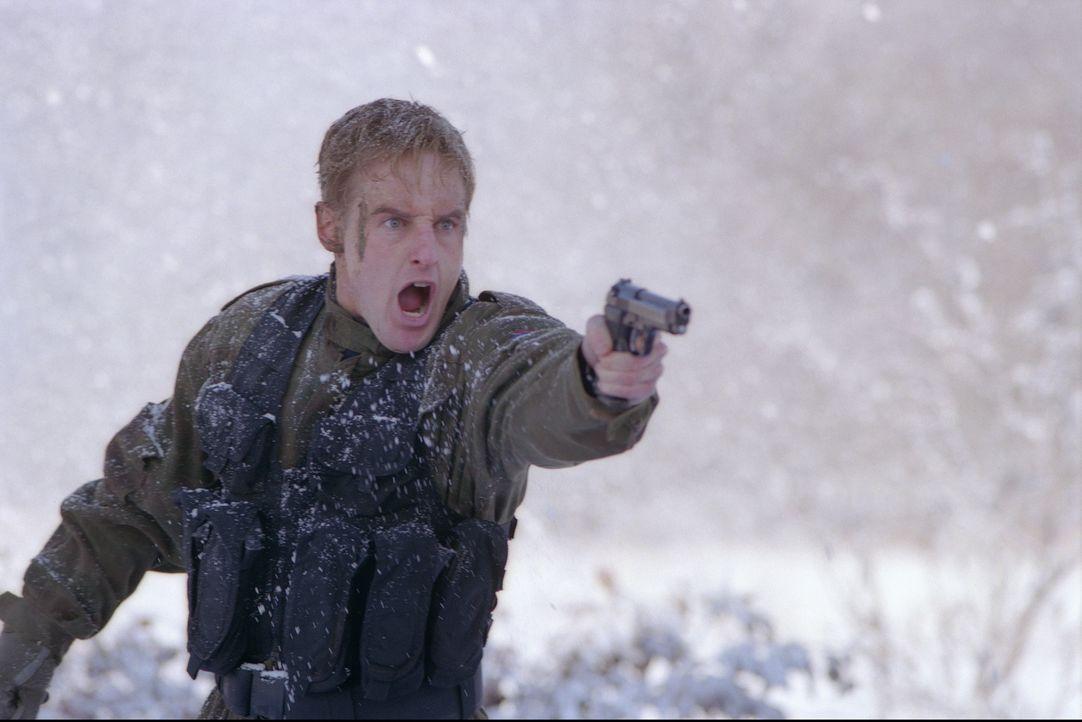 Eigentlich sollten Lieutenant Chris Burnett (Owen Wilson) und seine Delegation lediglich die Flugverbotszone über Bosnien und Herzogowina überwachen... - Bildquelle: 2001 Twentieth Century Fox Film Corporation.  All rights reserved.