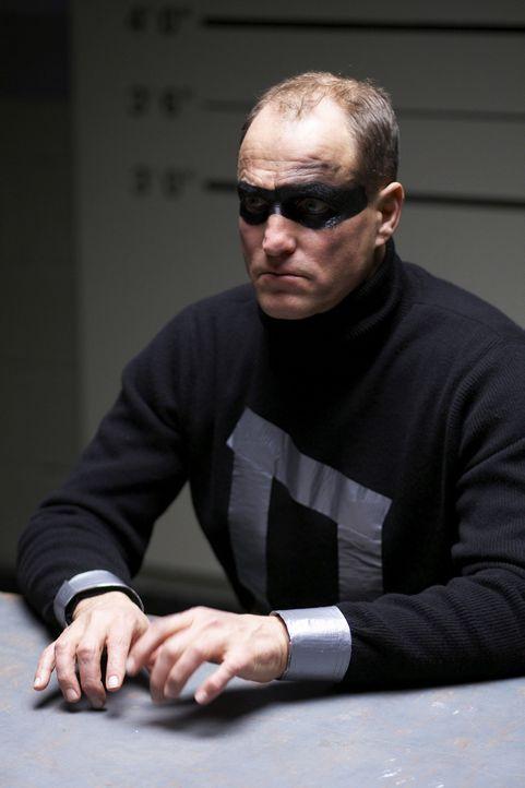 """Der Bauarbeiter Arthur (Woody Harrelson) ist von der fixen Idee besessen, er sei der Superheld """"Defendor"""" und müsse Captain Industry finden und zur... - Bildquelle: 2009 Darius Films Inc. All Rights Reserved."""