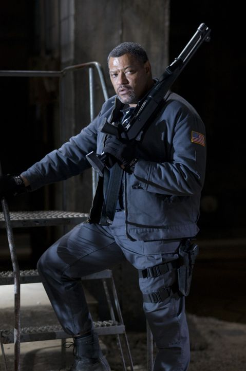 Glaubt, dass mit brachialer Gewalt alles klappt: Baines (Laurence Fishburne) ... - Bildquelle: Lacey Terrell 2009 Screen Gems, Inc. All Rights Reserved.