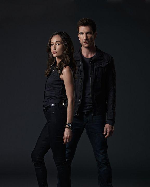 (1. Staffel) - Versuchen, gefährlichen Stalkern auf die Schliche zu kommen: Detective Jack Larsen (Dylan McDermott, r.) und Lieutenant Beth Davis (M... - Bildquelle: Warner Bros. Entertainment, Inc.