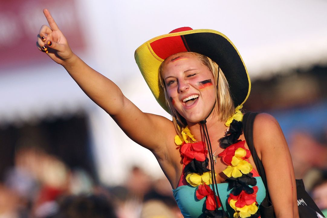 Fussball-Fans-Deutschland-100707-dpa - Bildquelle: dpa