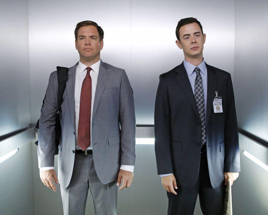 Während Tony (Michael Weatherly, l.) ohne seine Marke in Zivil ermittelt, rettet Parsons (Colin Hanks, r.) Gibbs in letzter Minute das Leben ... - Bildquelle: CBS Television