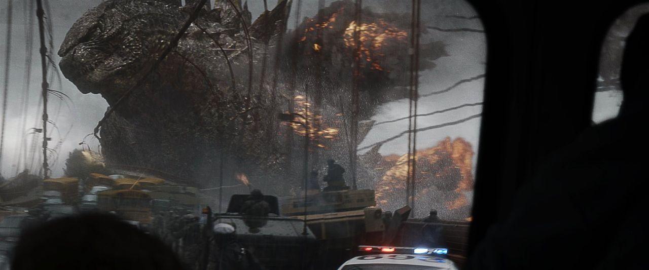 Für die Menschheit gibt es nur noch eine Hoffnung auf Rettung: Godzilla! - Bildquelle: 2014   Warner Bros.