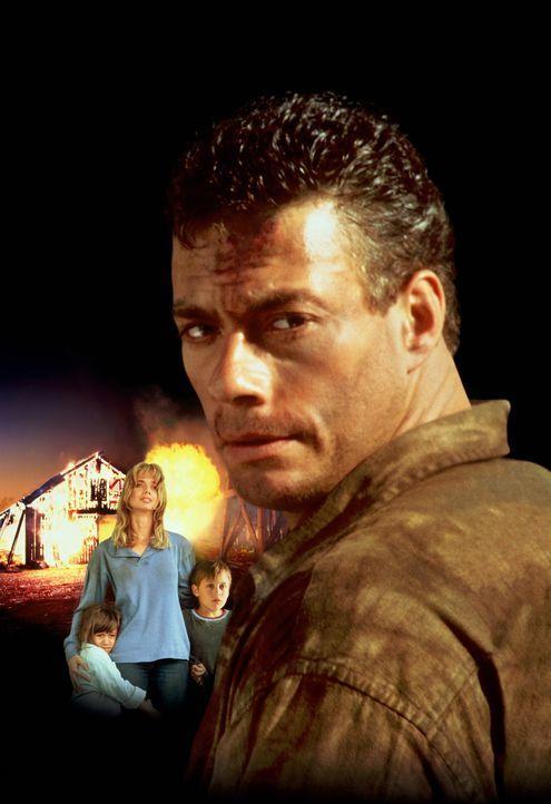 Während eines Gefangenentransports gelingt dem Bankräuber Sam Gillen (Jean-Claude Van Damme, r.) die Flucht in die Wälder. Er findet Unterschlupf au... - Bildquelle: Columbia Pictures Corporation
