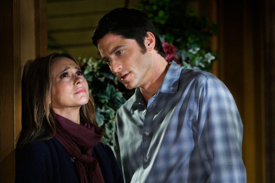 Weil ihre Trauer um Jim (David Conrad, r.) so groß ist, verliert Melinda (Jennifer Love Hewitt, l.) kurzzeitig ihre Gabe, Geister sehen zu können ..... - Bildquelle: ABC Studios