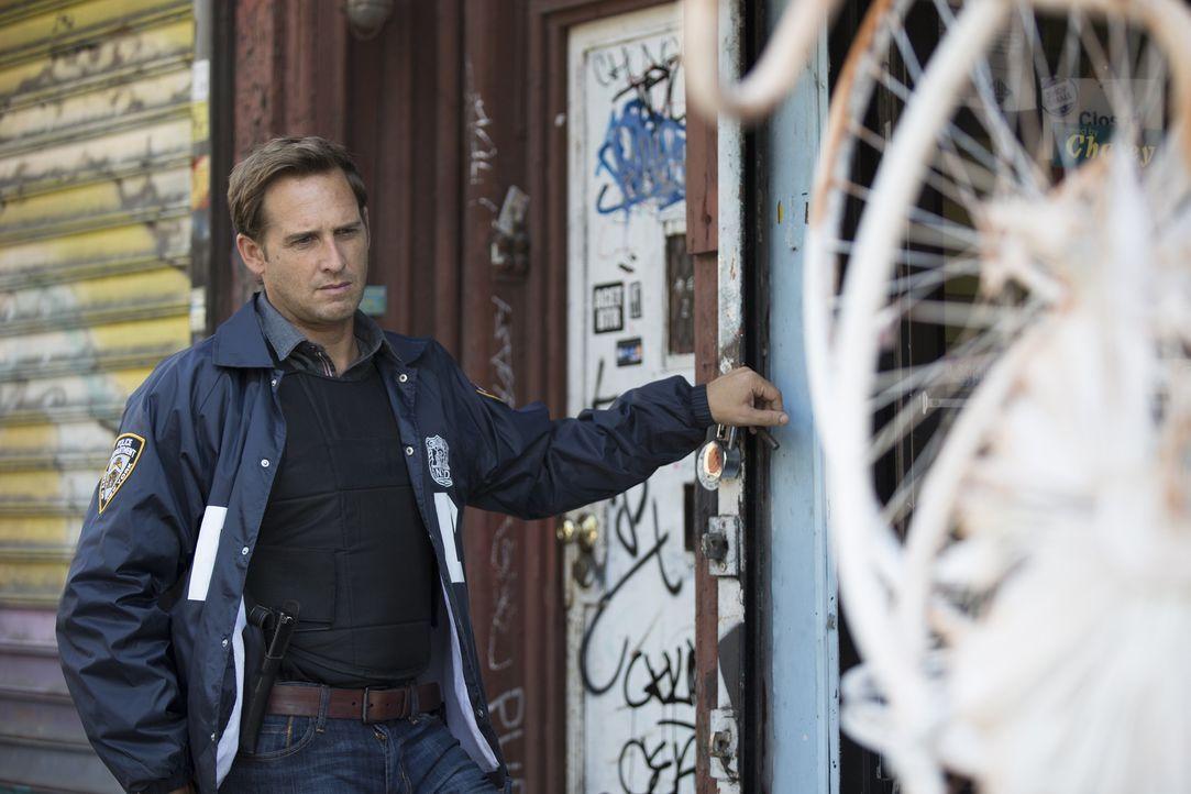 Er kämpft immer mehr mit seinen Herzproblemen, möchte aber keine zweite ärztliche Meinung einholen: Jake (Josh Lucas) ... - Bildquelle: 2015 Warner Bros. Entertainment, Inc.