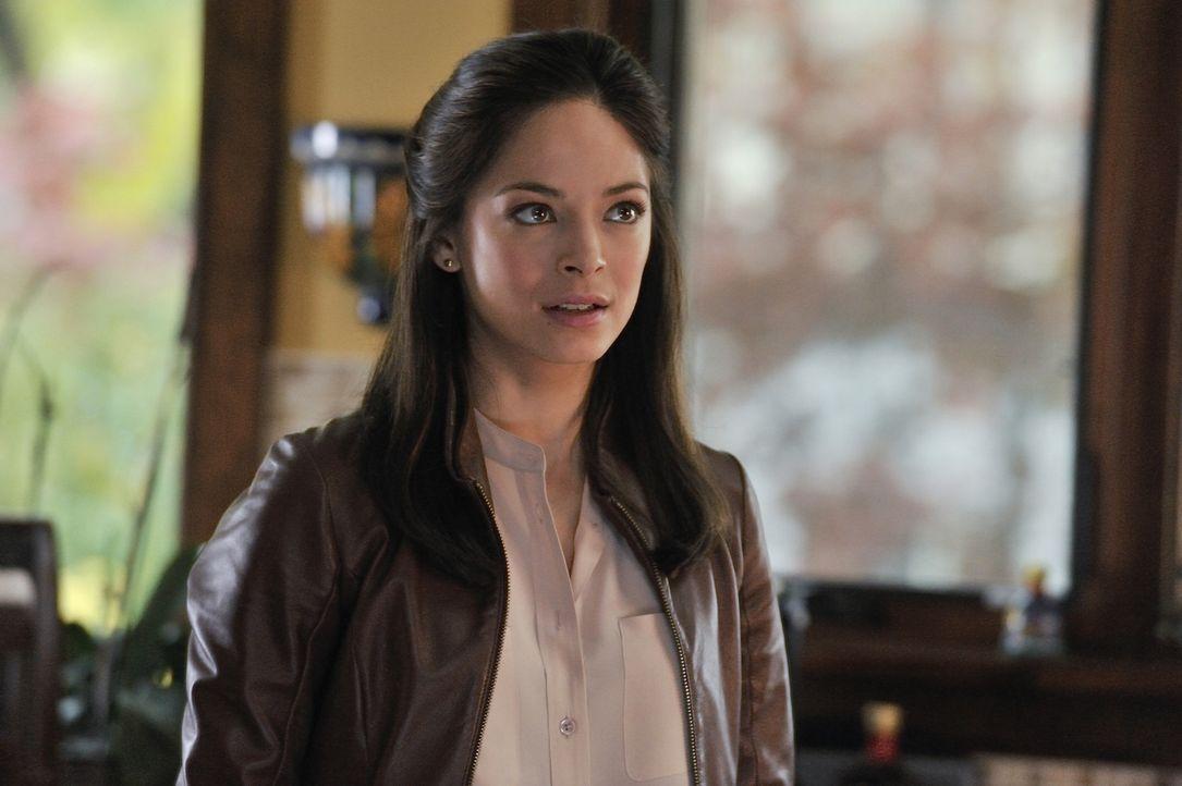Erfährt interessante Details aus der Vergangenheit ihrer Mutter: Catherine (Kristin Kreuk) - Bildquelle: 2012 The CW Network, LLC. All rights reserved.