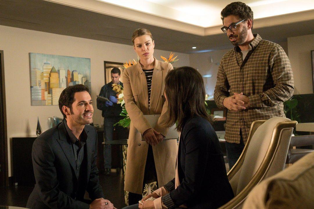 Als ein Therapeut ermordet wird, beginnen Lucifer (Tom Ellis, l.) und Chloe (Lauren German, 2.v.l.) mit den Ermittlungen. Können die Ehefrau des Erm... - Bildquelle: 2016 Warner Brothers