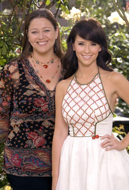 (2. Staffel) - Melinda (Jennifer Love Hewitt, r.) und Delia Banks (Camryn Manheim, l.) finden sich auf Anhieb sympathisch … - Bildquelle: ABC Studios