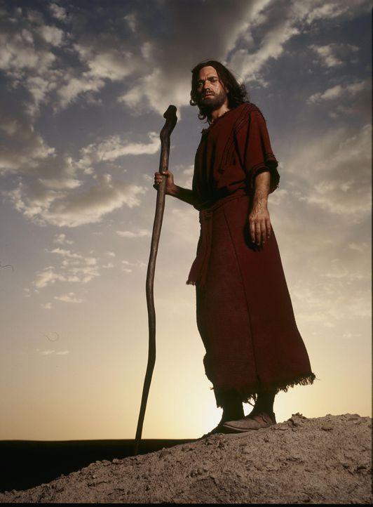 Anführer des israelischen Volkes auf seiner Wanderung aus der Sklaverei in Ägypten ins verheißene Land: Moses (Dougray Scott) ... - Bildquelle: Hallmark Entertainment