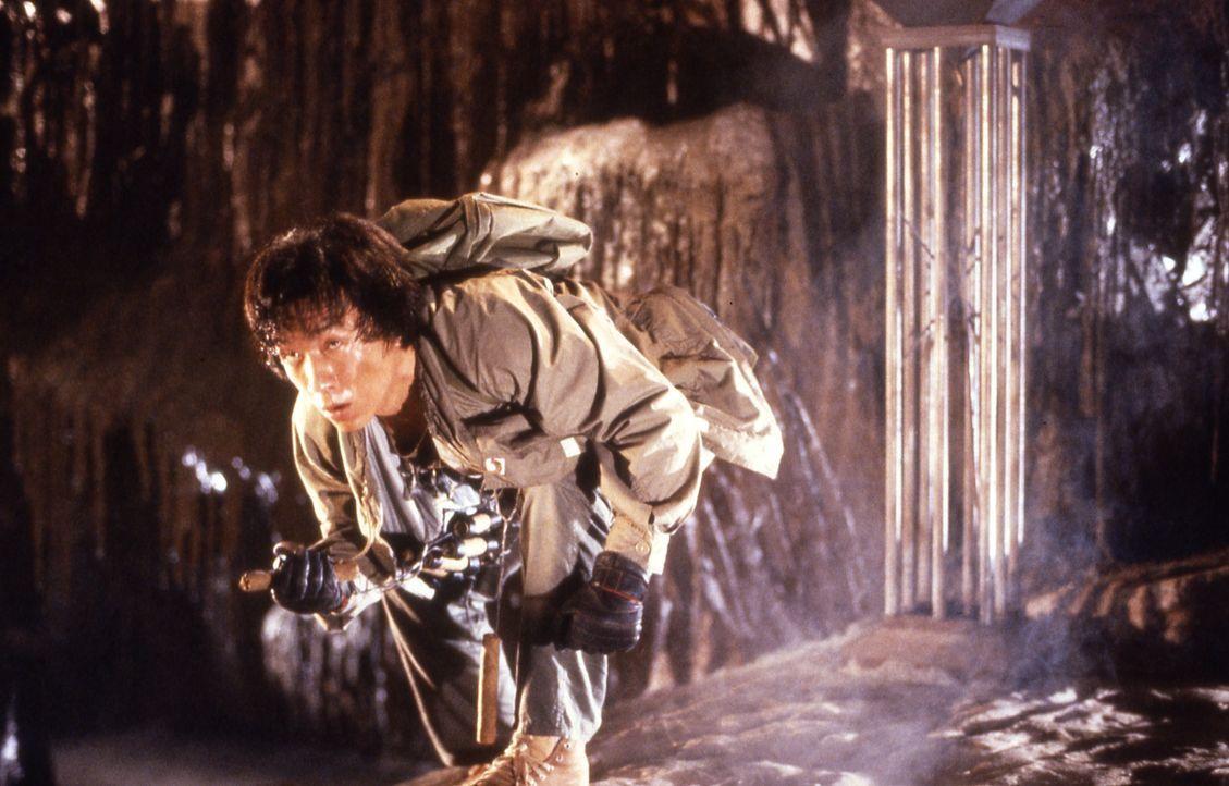 Als eine geheimnisvolle Sekte Jackie (Jackie Chan) das Leben schwer macht, schlägt er fintenreich zurück ... - Bildquelle: Golden Harvest Company