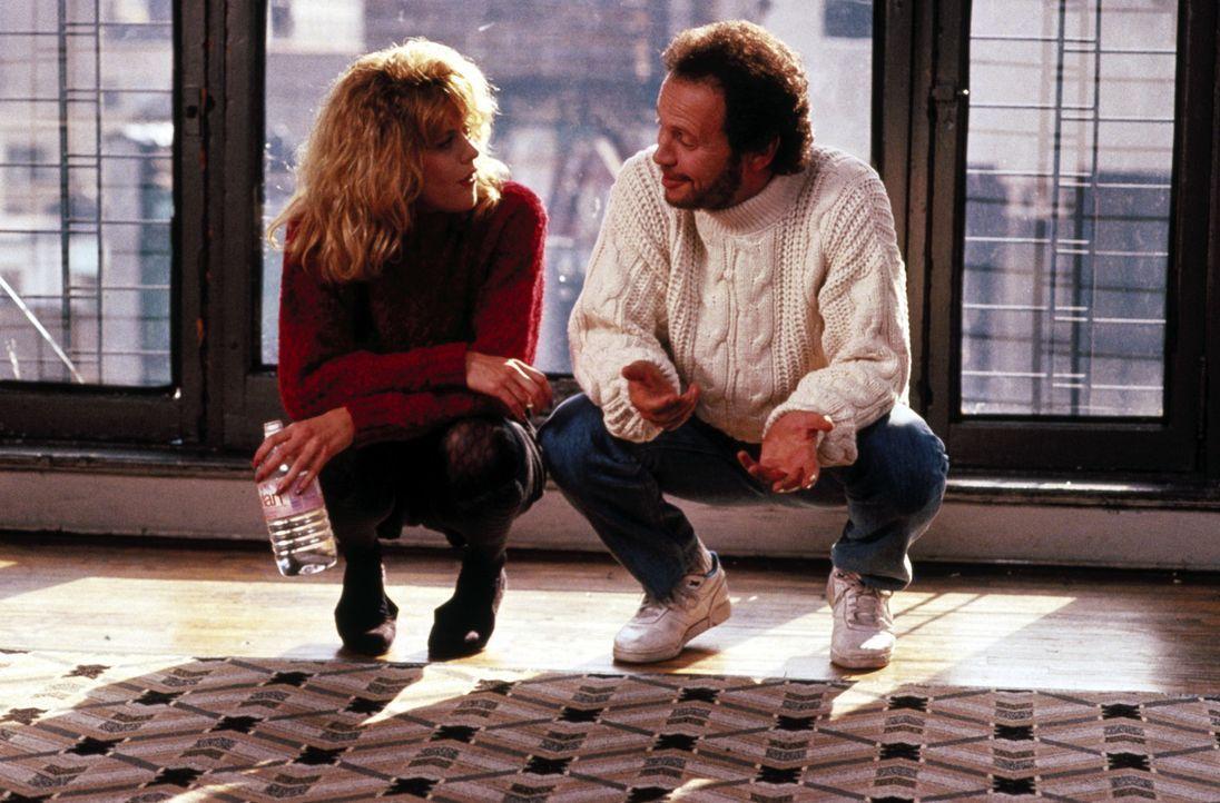 Immer wieder bauen sich Harry (Billy Crystal, r.) und Sally (Meg Ryan, l.) gegenseitig auf ... - Bildquelle: Castle Rock Entertainment