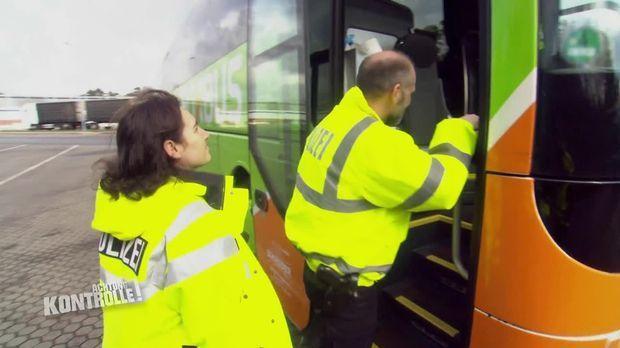 Achtung Kontrolle - Achtung Kontrolle! - Thema U.a.: Gesuchter Mann - Autobahnpolizei Winsen/luhe