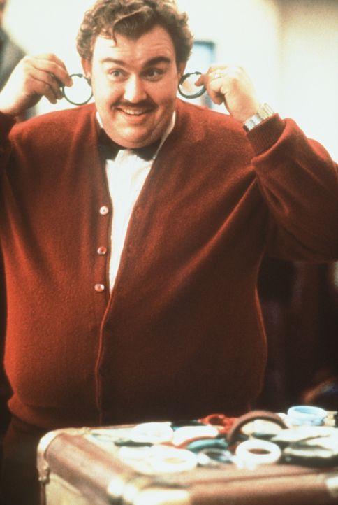 Undank ist der Lohn der Welt: Die gutmütige Nervensäge Del (John Candy) erntet mit seiner überschwenglichen Hilfsbereitschaft nichts als Ärger. - Bildquelle: Paramount Pictures