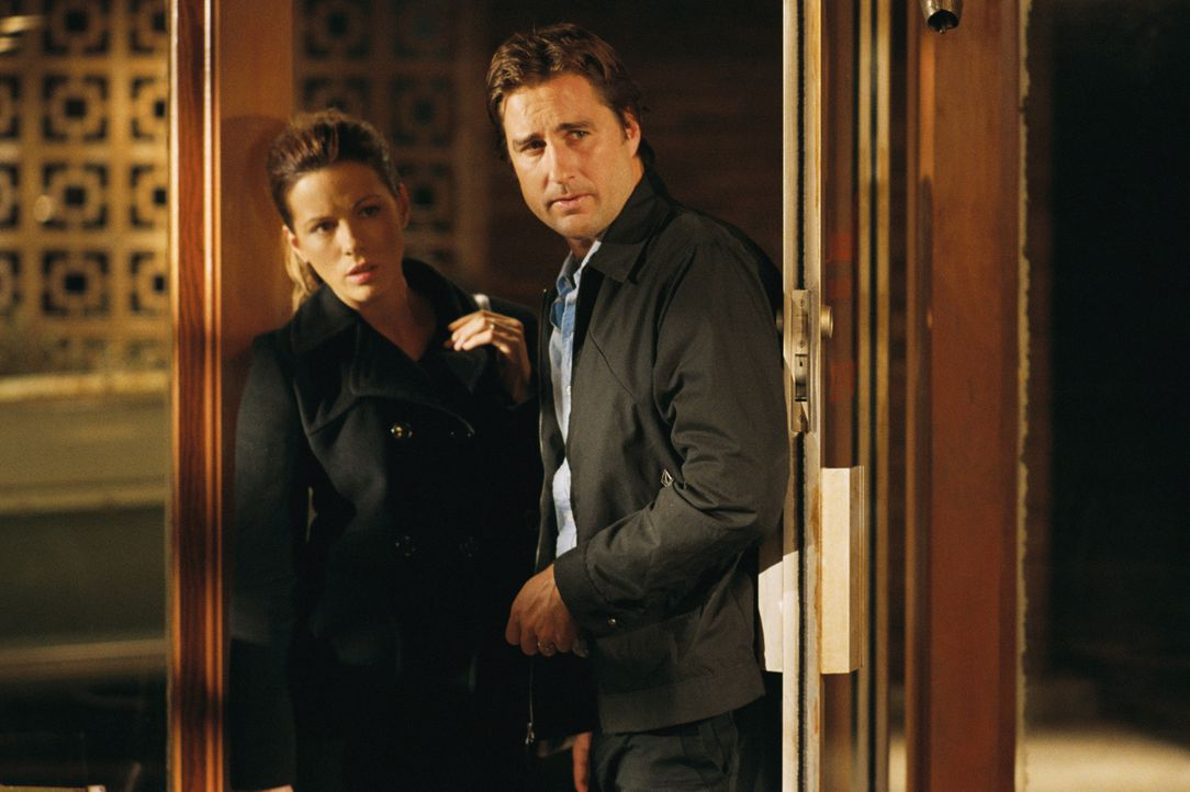 Das seit dem Tod des Sohnes in Scheidung lebende Paar David (Luke Wilson, r.) und Amy (Kate Beckinsale, l.) ist nach einer nächtlichen Autopanne gez... - Bildquelle: 2007 CPT Holdings, Inc. All Rights Reserved. (Sony Pictures Television International)