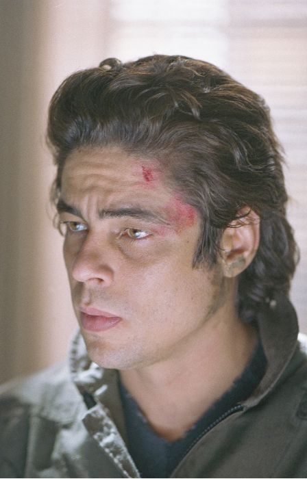 Aaron Hallam (Benicio Del Toro) - Bildquelle: 2002 by Paramount Pictures. All Rights Reserved.