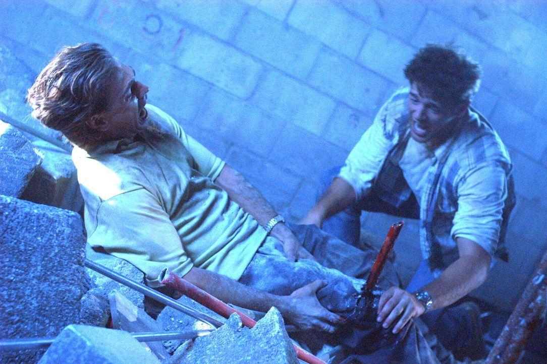 Nach dem fatalen Erdbeben beginnt für Frank (Justin Melvey, l.) und Harland (Joe Miller, r.) ein gnadenloser Kampf ums Überleben ... - Bildquelle: Regent Productions