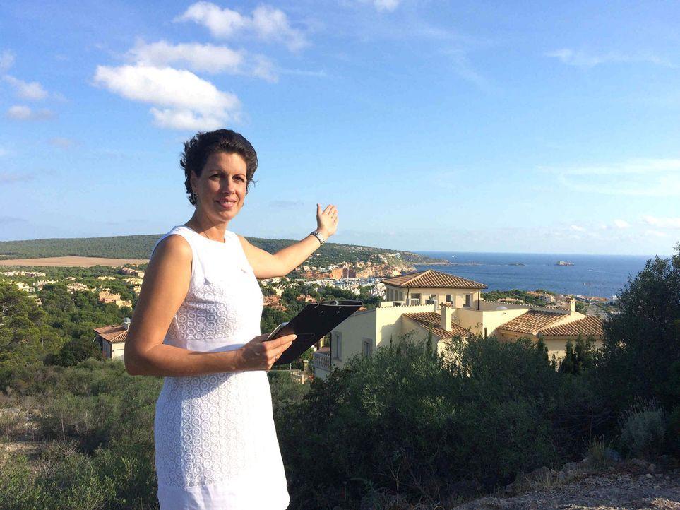 Während Auswanderin Susanne (Foto) auf Mallorca Immobilien an den Urlauber bringt, ist dort auch ihr Mann Thorsten als deutscher Handwerker sehr gef... - Bildquelle: kabel eins