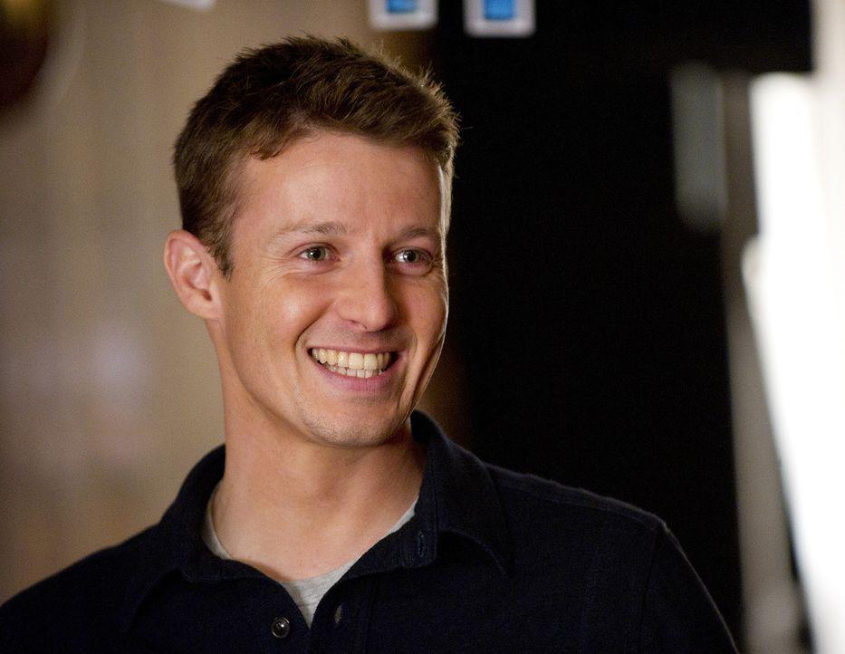 Jamie (Will Estes) ist dankbar um jeden Tag, den er zusammen mit seiner Familie verbringen kann ... - Bildquelle: 2010 CBS Broadcasting Inc. All Rights Reserved