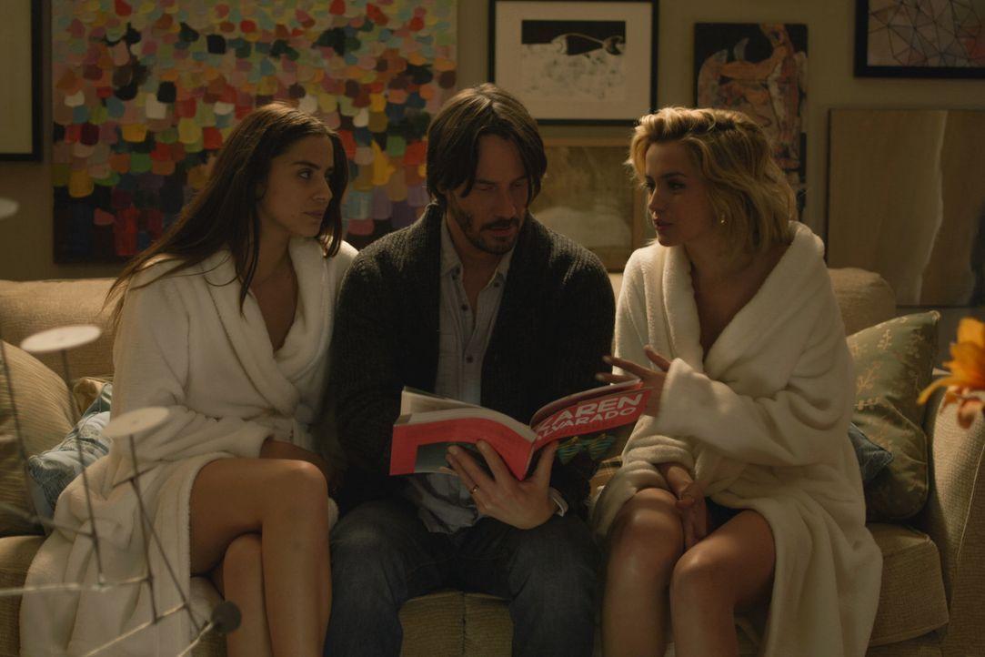 Als seine Frau und seine beiden Kinder übers Wochenende weg sind, trifft Evan (Keanu Reeves, M.) in einer stürmischen Nacht eine folgenschwere Entsc... - Bildquelle: SquareOne / Universum