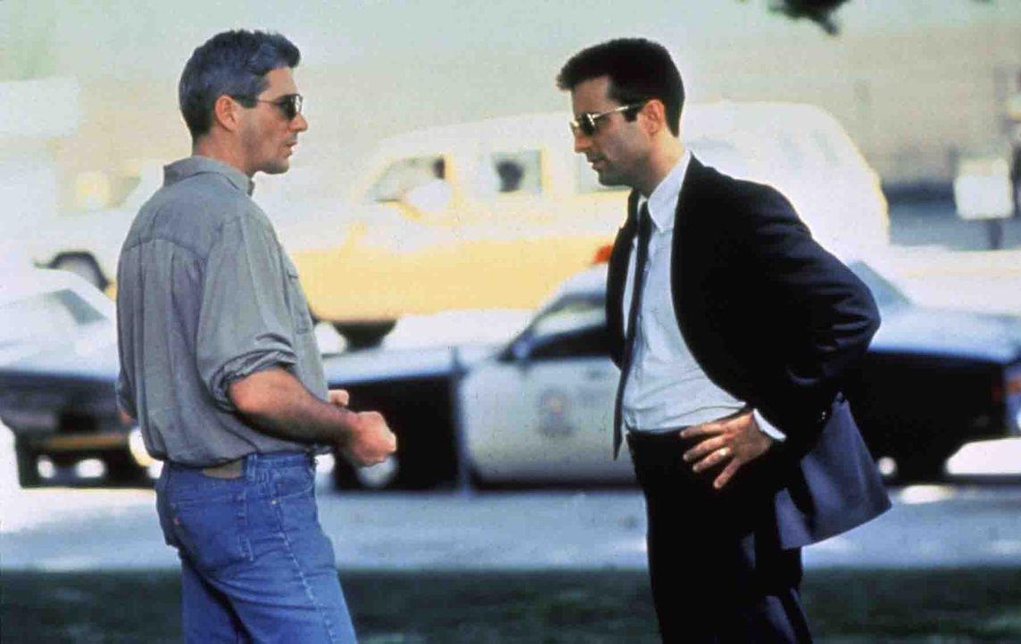 Wer überwacht unsere Bewacher? Detective Avila (Andy Garcia, r.) untersucht Korruptionsfälle innerhalb der Polizei. Schon bald stößt er auf den... - Bildquelle: Paramount Pictures