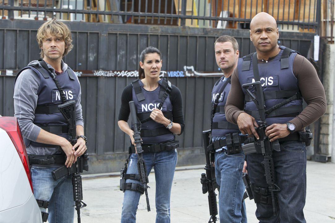 Ein neuer Fall wartet auf Callen (Chris O'Donnell, 2.v.r.), Sam (LL Cool J, r.), Deeks (Eric Christian Olsen, l.) und Kensi (Daniele Ruah, 2.v.l.) ... - Bildquelle: CBS Studios Inc. All Rights Reserved.