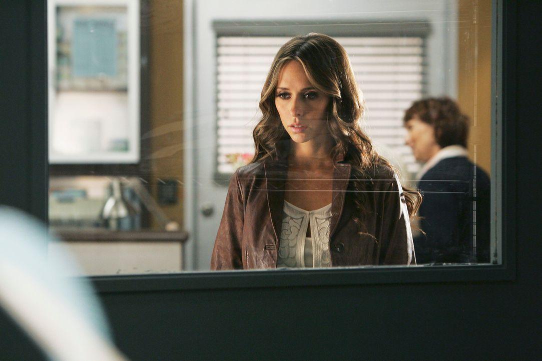 Im Krankenhaus besucht Melinda (Jennifer Love Hewitt) die im Koma liegende Paula Collier. - Bildquelle: ABC Studios