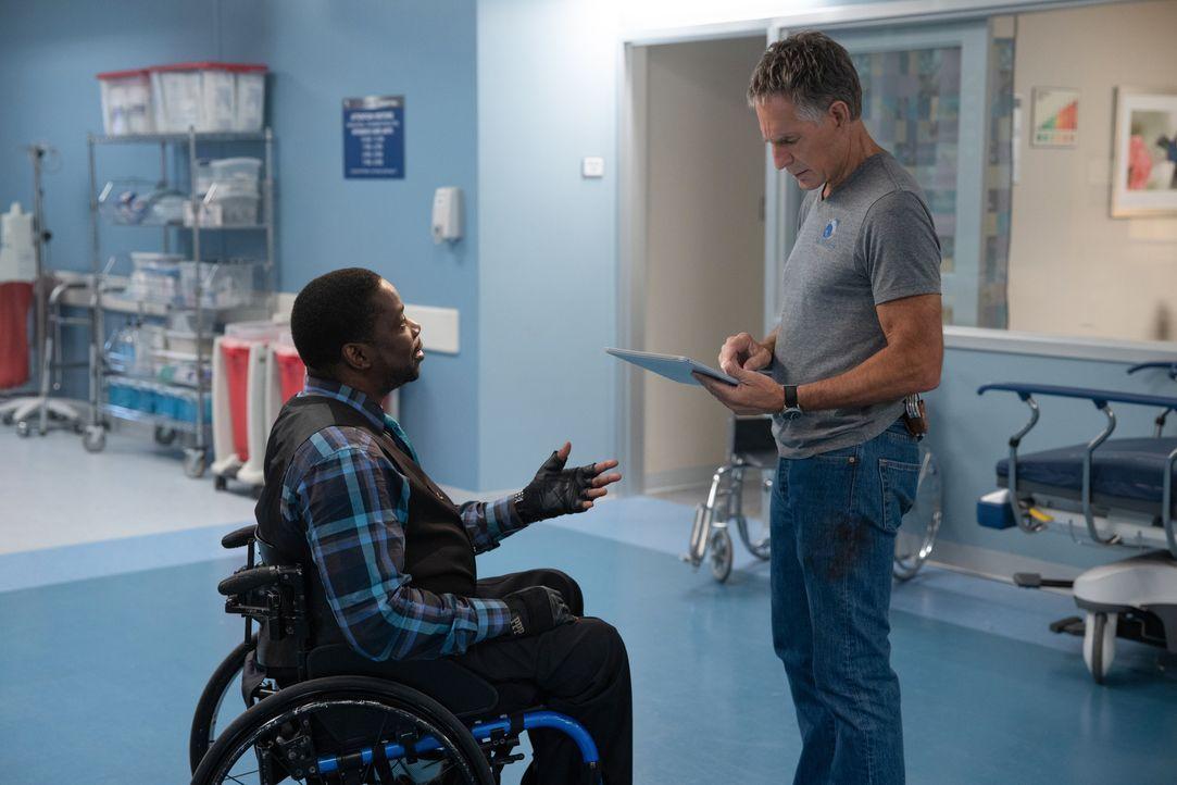 Patton Plame (Daryl 'Chill' Mitchell, l.); Dwayne Pride (Scott Bakula, r.) - Bildquelle: Sam Lothridge 2019 CBS Broadcasting Inc. All Rights Reserved. / Sam Lothridge