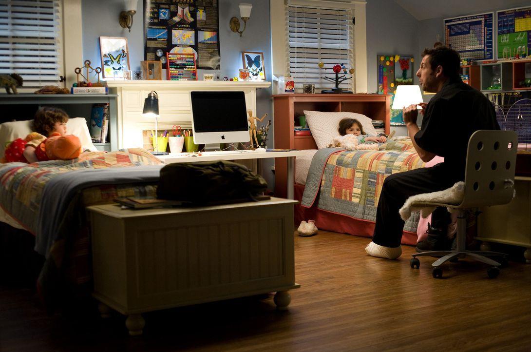 Der phantasievolle Skeeter (Adam Sandler) erzählt seiner Nichte und seinem Neffen jeden Abend eine Gutenachtgeschichte, wie es schon sein Vater geta... - Bildquelle: Disney