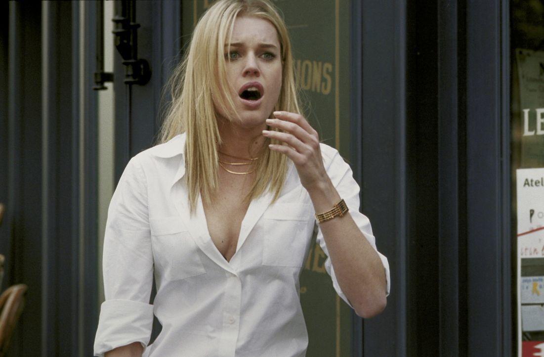 Nach dem Raub baut sich Laure (Rebecca Romijn-Stamos) eine neue Identität auf. Als Frau des amerikanischen Botschafters ist es ihr bisher gelungen,... - Bildquelle: Epsilon Motion Pictures