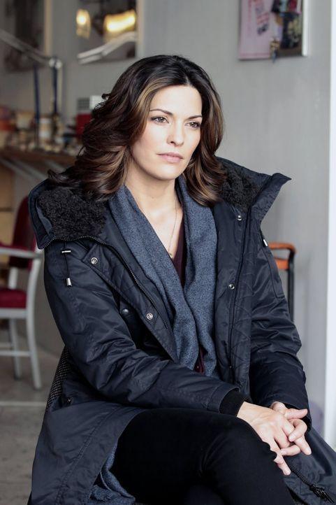 Noch ahnt Jo (Alana De La Garza) nicht, was die anrüchige Professorin Molly vor hat ... - Bildquelle: Warner Bros. Television
