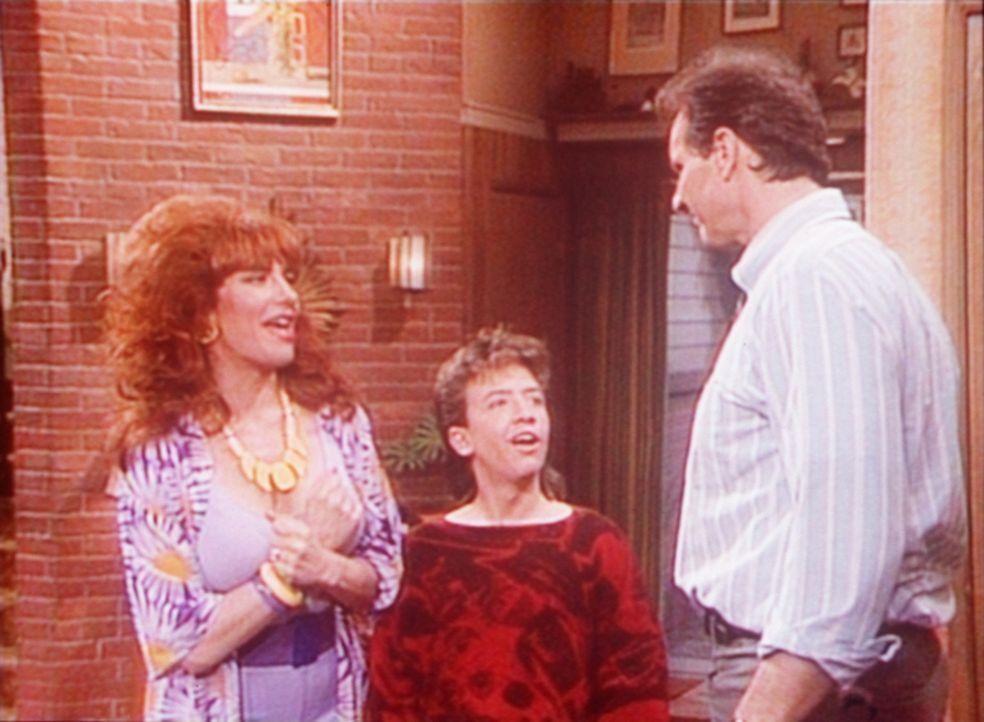 Al (Ed O'Neill, r.) glaubt, eine bahnbrechende Erfindung gemacht zu haben. Peggy (Katey Sagal, l.) und Bud (David Faustino, M.) sehen das anders. - Bildquelle: Columbia Pictures