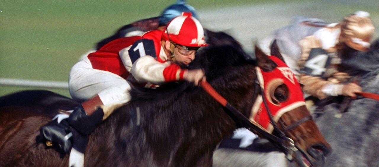 Auf zum nächsten Sieg: Seabiscuit und sein Jockey Red Pollard (Tobey Maguire) ... - Bildquelle: Francois Duhamel 2003 Universal Studiosand DREAMWORKS LLC..All Rights Reserved.