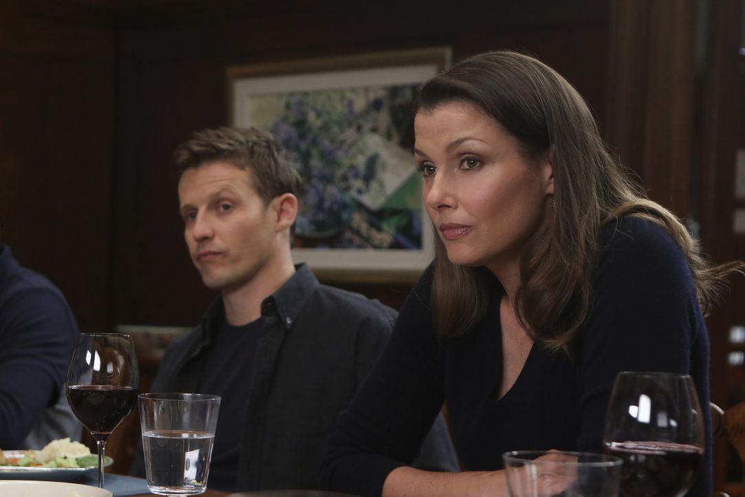 Jamie Reagan (Will Estes, l.); Erin Reagan (Bridget Moynahan, r.) - Bildquelle: Craig Blankenhorn 2017 CBS Broadcasting Inc. All Rights Reserved.