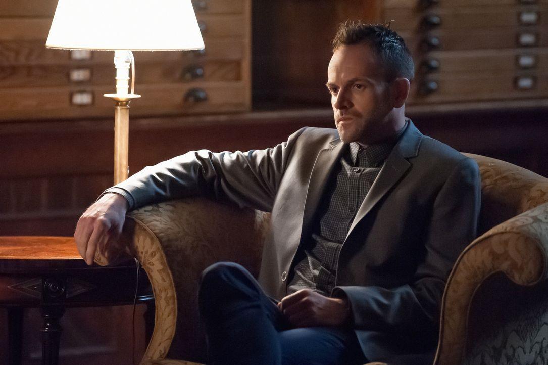 Nicht genug damit, dass Sherlock (Jonny Lee Miller) sich um seinen Bruder Mycroft kümmern muss, den irgendjemand beim MI Six ausschalten will - er m... - Bildquelle: CBS Television