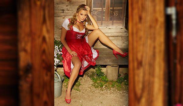 Wiesn-Playmate 2013 Karolina Witkowska - Bildquelle: Sacha Höchstetter für Playboy Oktober 2013