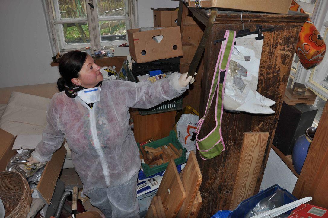 Nada Castrup packt das Problem bei der Wurzel und führt die Messies aus der Müll-Falle. Gleichzeitig räumt sie auch im Leben der Betroffenen auf. Ih... - Bildquelle: kabel eins