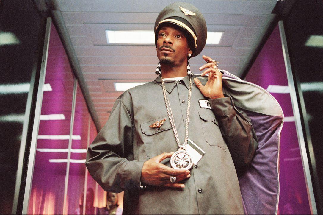 Auf dem Jungfernflug von Los Angeles nach New York geht so einiges schief: Der gemietete Kapitän (Snoop Dogg) entpuppt sich als Kiffer, der noch da...