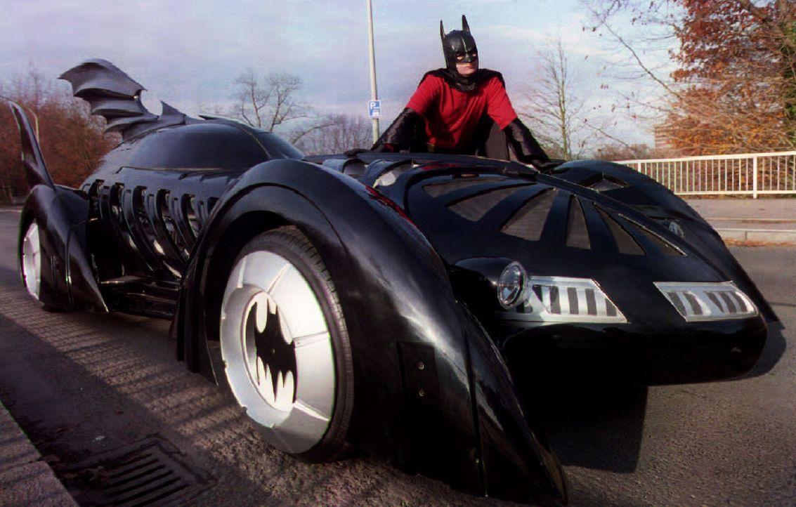 Batmobil-Batman-dpa - Bildquelle: dpa