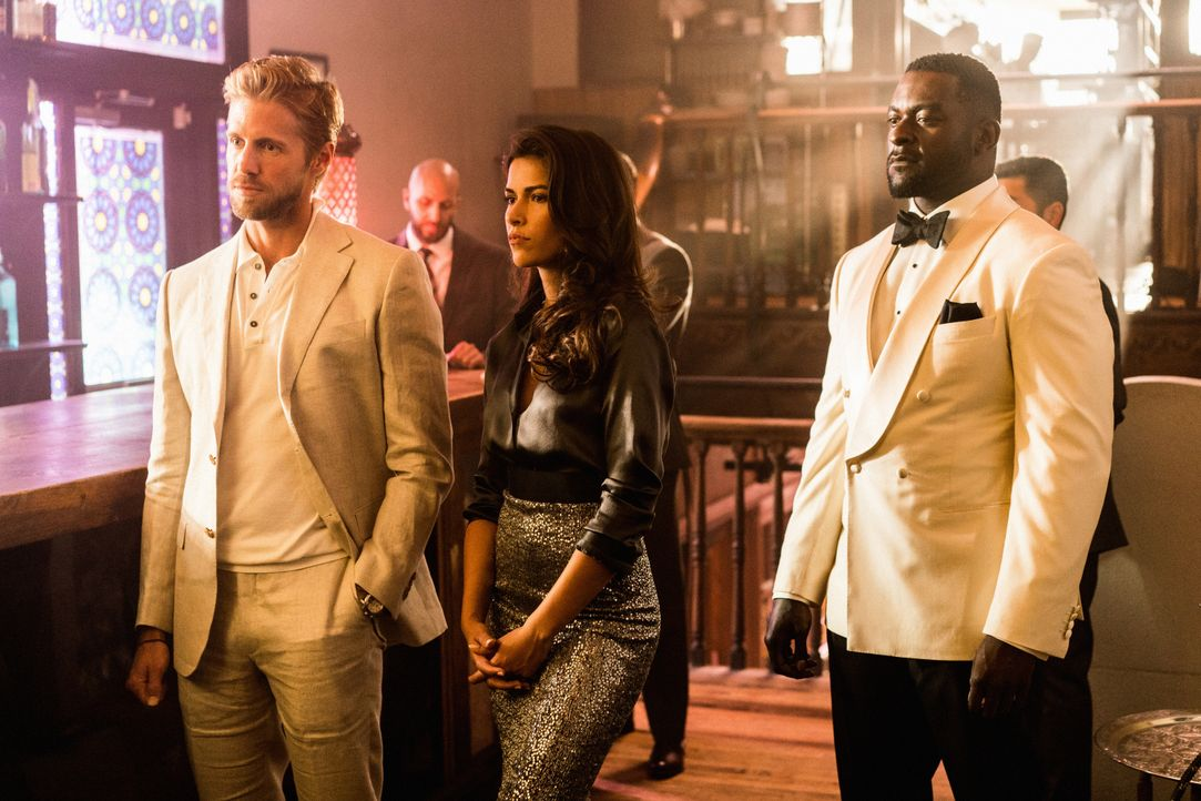 (v.l.n.r.) Danny McNamara (Matt Barr); Lexi Vaziri (Sofia Pernas); Aiden Shaw (Michael James Shaw) - Bildquelle: 2018 CBS Broadcasting, Inc. All Rights Reserved