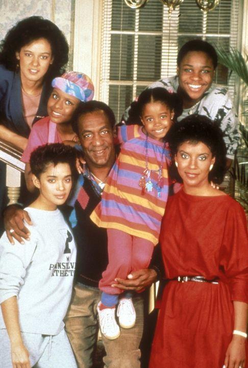 Familie Huxtable: (v.l.n.r.) Sondra (Sabrina Le Beauf), Vanessa (Tempestt Bledsoe), Denise (Lisa Bonet), Cliff (Bill Cosby), Rudy (Keshia Knight Pul... - Bildquelle: Viacom