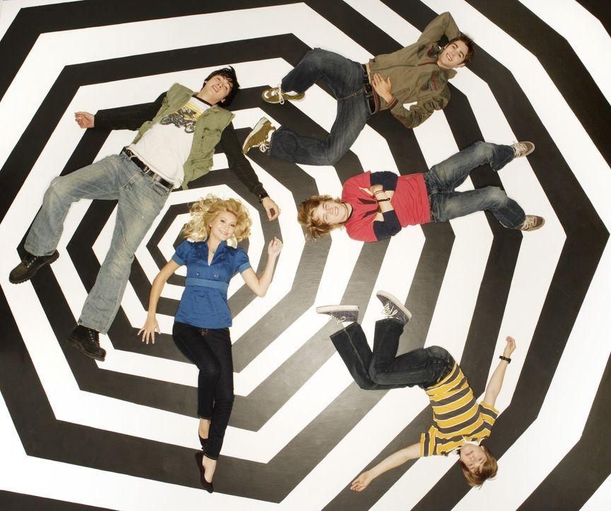 Minute Men: (im Uhrzeigersinn) Stephanie (Chelsea Staub), Zeke (Nicholas Braun), Derek (Steven R. McQueen), Virgil (Jason Dolley) und Charlie (Luke... - Bildquelle: 2007 Disney Channel