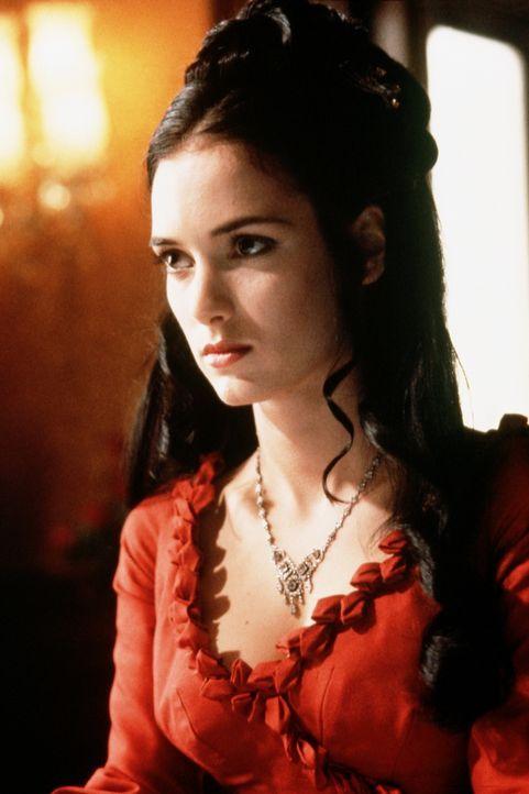 Die schöne Mina (Winona Ryder) gerät in einen Zwiespalt der Gefühle ... - Bildquelle: Columbia Pictures