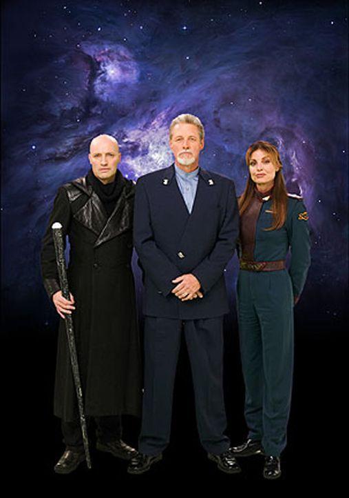 Galen (Peter Woodward, l.) und Colonel Elizabeth Lochley (Tracy Scoggins, r.) sind froh, dass Captain John Sheridan (Bruce Boxleitner, M.) wieder au... - Bildquelle: Warner Bros.