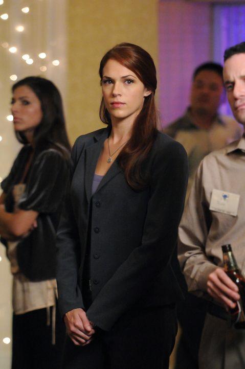Ermittelt gemeinsam mit Patrick und Teresa an einem neuen Mordfall: Grace (Amanda Righetti) ... - Bildquelle: Warner Bros. Television