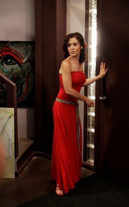 Sucht gemeinsam mit Paige und Billie nach einem Plan, um Piper aus dem Gefängnis herausholen zu können: Phoebe (Alyssa Milano) ... - Bildquelle: Paramount Pictures