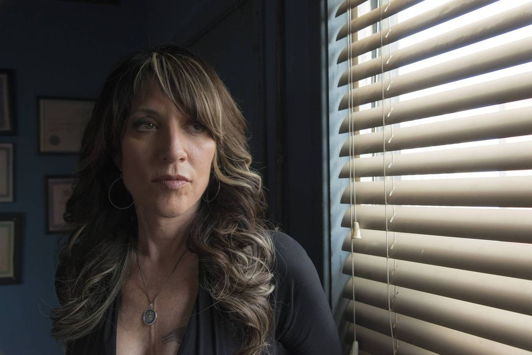 Besser könnte es für Gemma (Katey Sagal) kaum laufen: Da Tara im Knast ist, hat sie die Gelegenheit, sich in Jax' Haushalt breitzumachen und kann en... - Bildquelle: 2013 Twentieth Century Fox Film Corporation and Bluebush Productions, LLC. All rights reserved.
