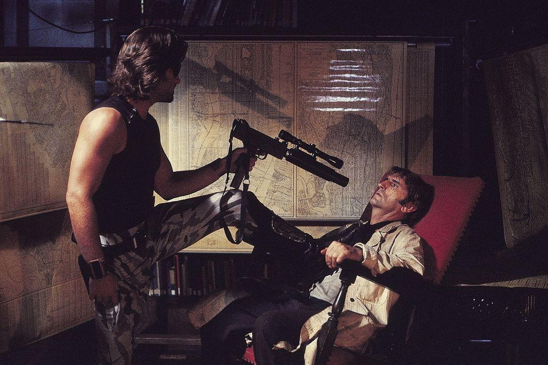 Die Klapperschlange (Kurt Russell, l.) hat mit Brain (Harry Dean Stanton, r.) noch eine alte Rechnung zu begleichen ... - Bildquelle: AVCO Embassy Pictures