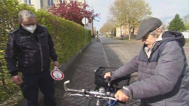 Abenteuer Leben - Abenteuer Leben - Dienstag: Schrottreife Tretesel - Fahrradgroßkontrolle
