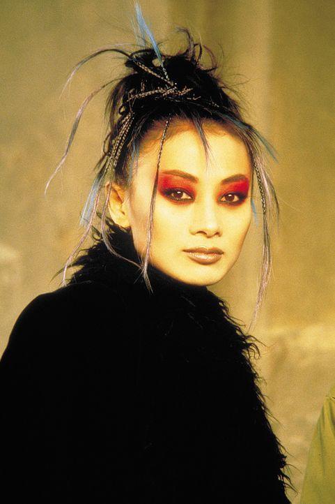 Welche Rolle spielt die geheimnisvolle Vampir-Lady Lucy Westenra (Bai Ling)? Hat vielleicht sogar sie etwas mit den geheimnisvollen Morden zu tun? - Bildquelle: 2004 Sony Pictures Television International. All Rights Reserved.